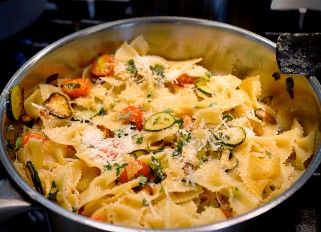 Pasta Farfalle with Vegetables