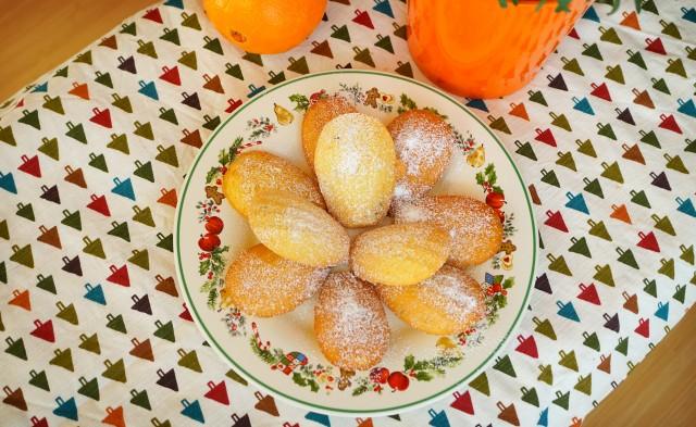 Orange Madeleine