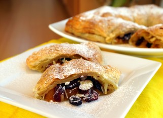 Strudel with Pumpkin, Raisins, Nuts and Cranberries