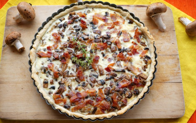 Quiche with Mushrooms, Onions and Bacon