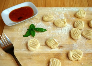 Homemade Potato Gnocchi with Tomato Sauce