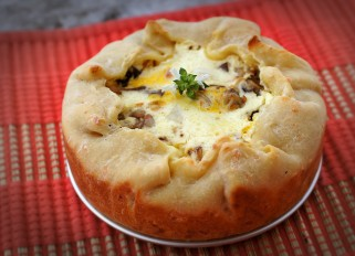Pie with Vegetables and Bacon