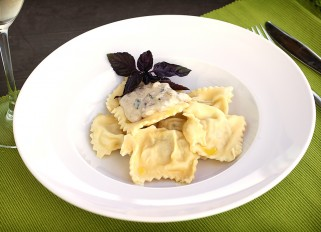 Ravioli with Mushroom Cream Sauce
