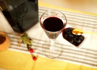 Black Currants and Gooseberry Nalivka (Homemade Liqueur)
