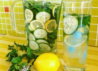 Lemon cucumber water with mint