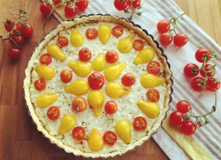 Tomato tart with feta and mozzarella cheese