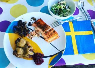Swedish meatballs with gravy, smoke salmon, dill potatoes,
