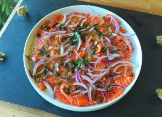 Salmon crudo with onion and fried capers