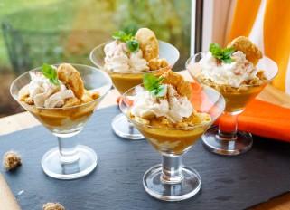 Maskarpone pumpkin mousse cups with amaretti cookies