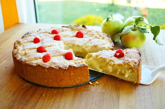 Images Of Apple Pie And Custard