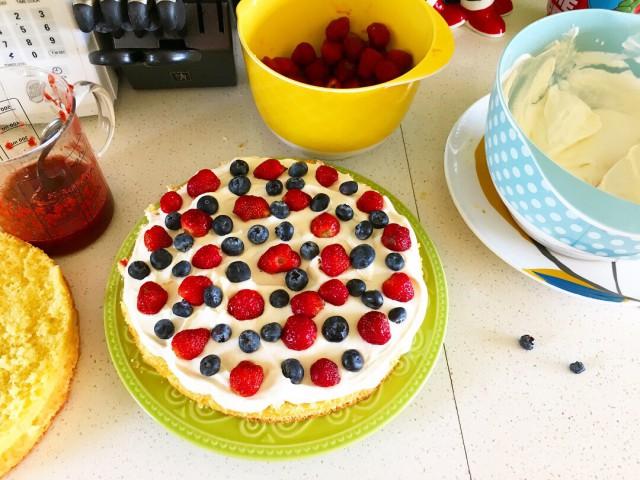 Berry Tiramisu Cake