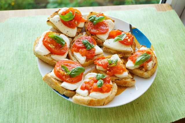 Grilled Bruschetta with fried Tomatoes and Garlic