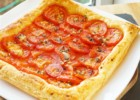 Easy Tomato Tart with Garlic and Thyme