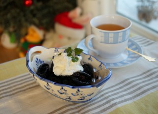 Stuffed Prunes with Nuts and Cream
